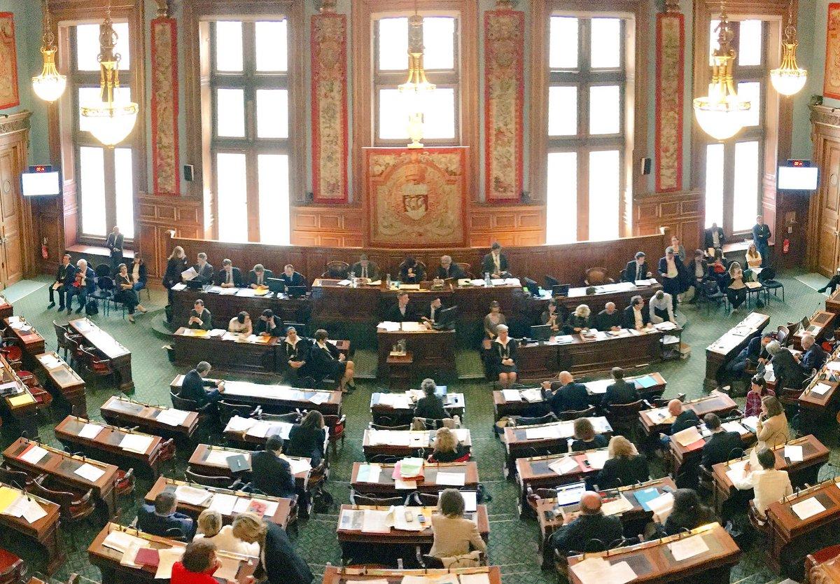 Le #ConseilDeParis reprend avec un débat sur la stratégie #résilience de la Ville de #Paris. A suivre en direct ici: https://t.co/m40NT1kmSt