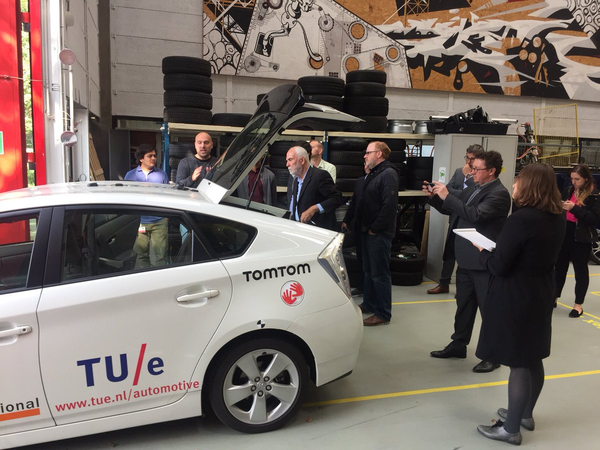 American automotive journalists touring The Netherlands and #Brainport #Eindhoven  #SmartMobility visiting @TUE_SmartMob and @M_Steinbuch<br>http://pic.twitter.com/D45j4z5ky6