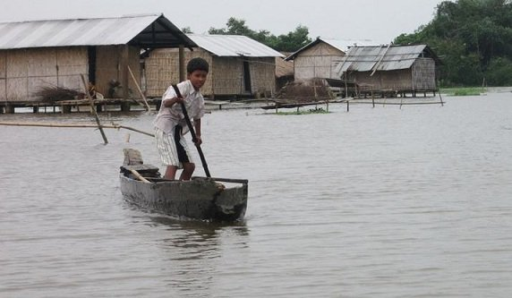Extreme #weather events impact #urban poor, #farmers, and coastal communities  http:// bit.ly/2jxkxPu  &nbsp;   #News #ClimateChange #ActonClimate<br>http://pic.twitter.com/YSHCmilvk0