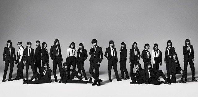 欅坂46「風に吹かれても」でスーツ姿、平手はショートヘアに #欅坂46 https://t.co/A7Oiq7ehEb