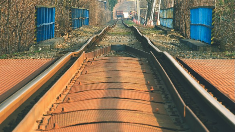 Summer heat in #Serbia warped train tracks! How is the country dealing with these #climate risks?  http:// wrld.bg/4uVi30fkBs3  &nbsp;  <br>http://pic.twitter.com/bSV1SJLfAg