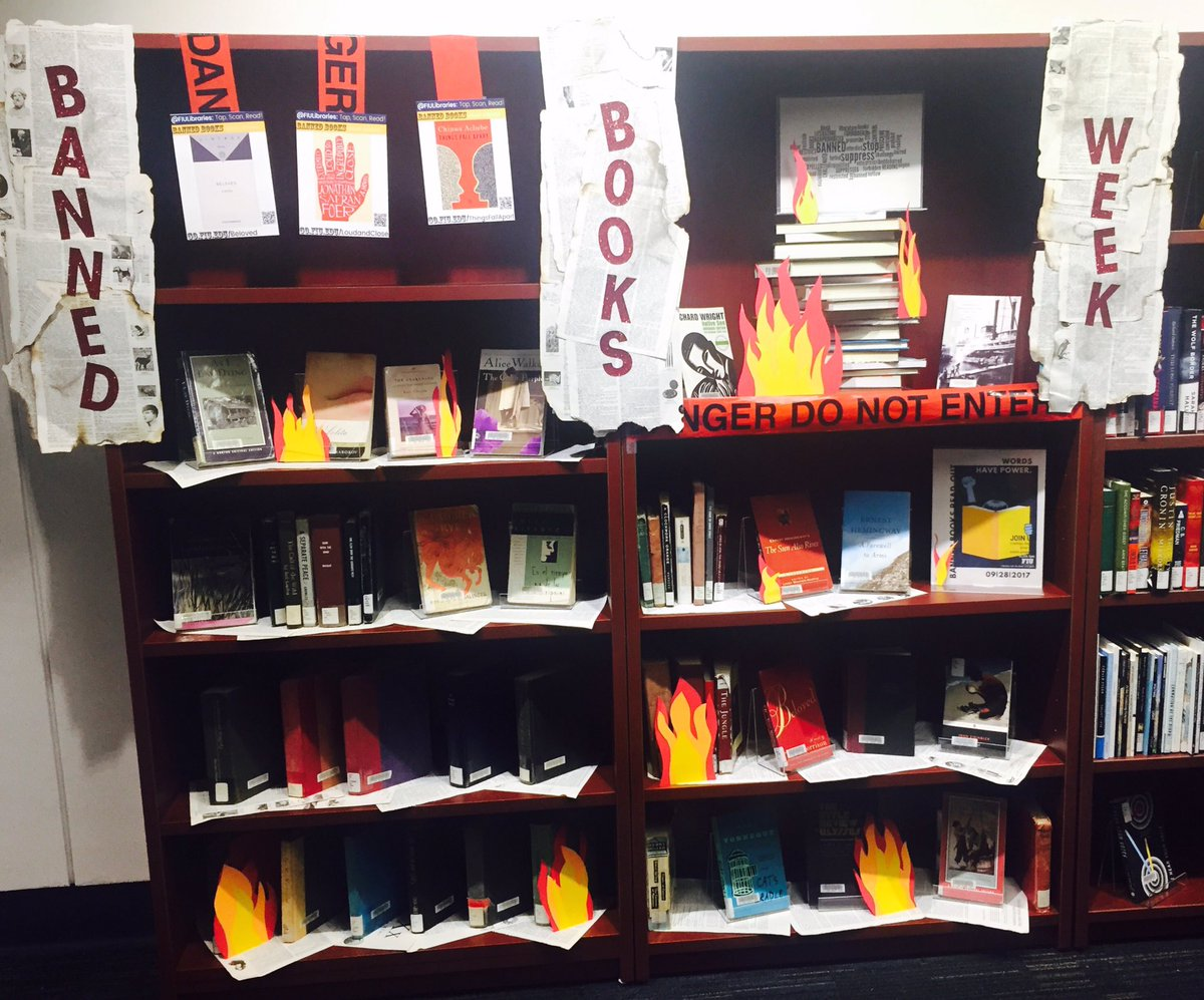 It&#39;s #bannedbooksweek! Stop by and pick up a banned book - #harrypotter? #beloved? #huckfinn? We&#39;ve got lots  #fiu <br>http://pic.twitter.com/vus4FcF84x