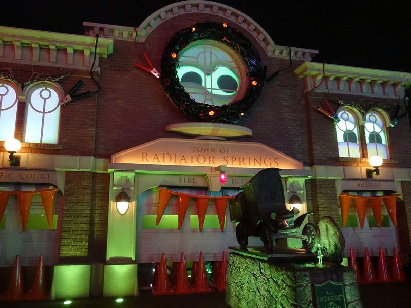 Disneyland Resort Update for September 25 - October 1, 2017  http:// mouse.pt/2fLJ9Ql  &nbsp;   #mp #icymi<br>http://pic.twitter.com/kAJrbvmKDW
