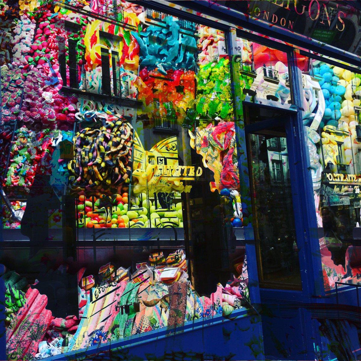 Gummi Candy House    The new collection of Creative Photo #16 by #hanamizukibcn #barcelona #paris #mixedmediaart #conceptualart #gummi<br>http://pic.twitter.com/VDX6mYL5Mu