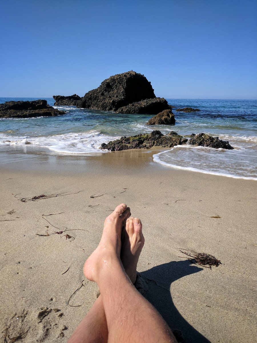 Bare feet in sand is my Happy Place! Weather was still perfect in Laguna Beach! #Beach #California @RealSaltLife @MikePoynton<br>http://pic.twitter.com/FnzZ44Aiw7
