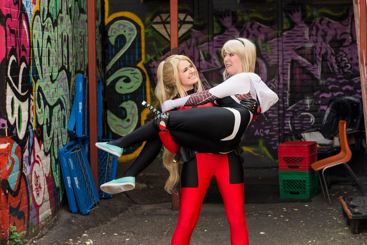 Lady Deadpool: @AmaLeighCP || Spider Gwen: @tayduffers || Photo: @Dreamcherub || #cosplay #derpingwithfriends #marvel <br>http://pic.twitter.com/8rQWGIi2ur