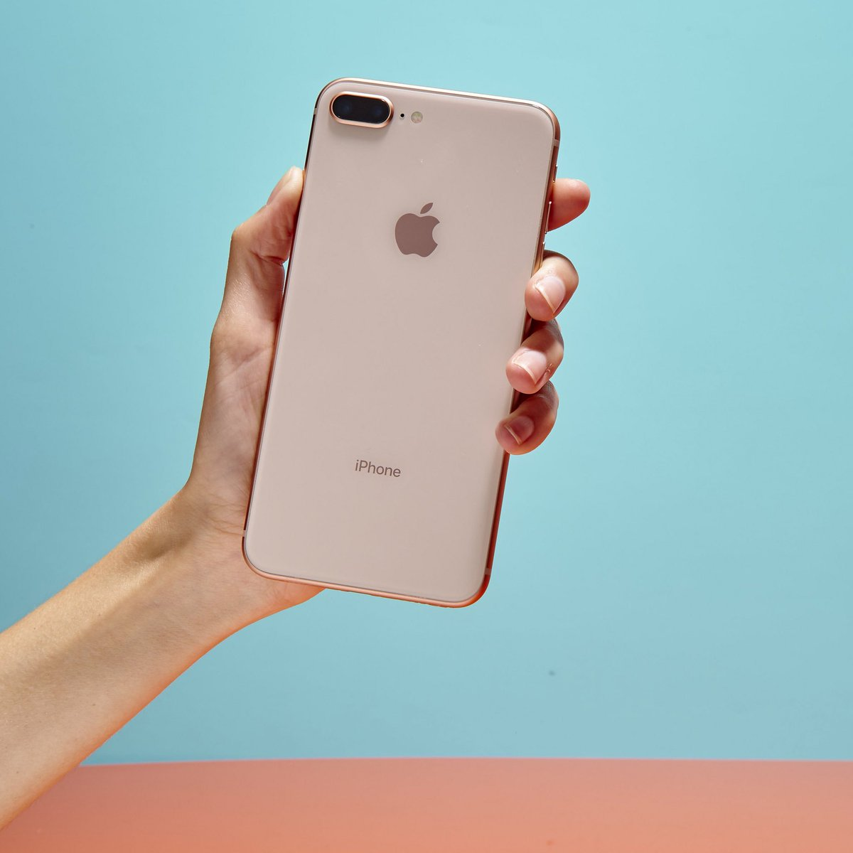 #iPhone8 Review: Not the Upgrade You're Looking for by @geoffreyfowler @WSJ  https://www. wsj.com/articles/iphon e-8-review-not-the-upgrade-youre-looking-for-1505818800 &nbsp; …  #TechNews #iPhone<br>http://pic.twitter.com/OdF8rgy6BF