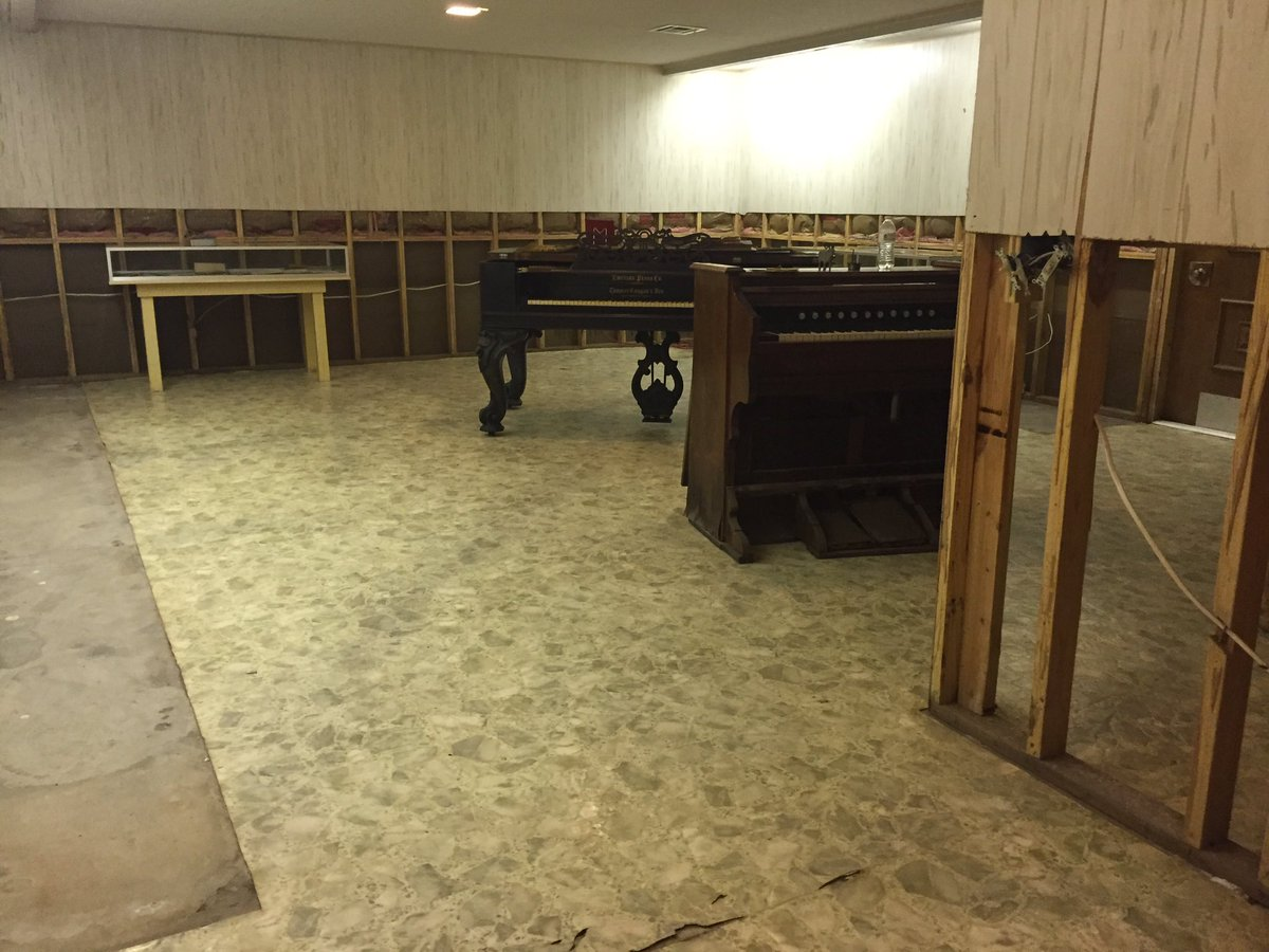 The Wharton County Historical Museum is closed for now - it took in four feet of water during #Harvey.  #abc13<br>http://pic.twitter.com/cV5g1LWxHx