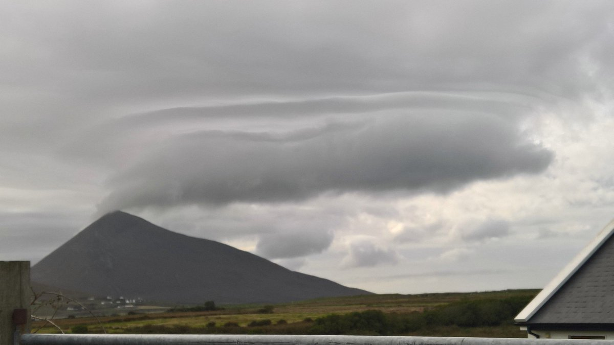 #Clouds rolling in #Achill #Weather <br>http://pic.twitter.com/8ftuDL5LOZ