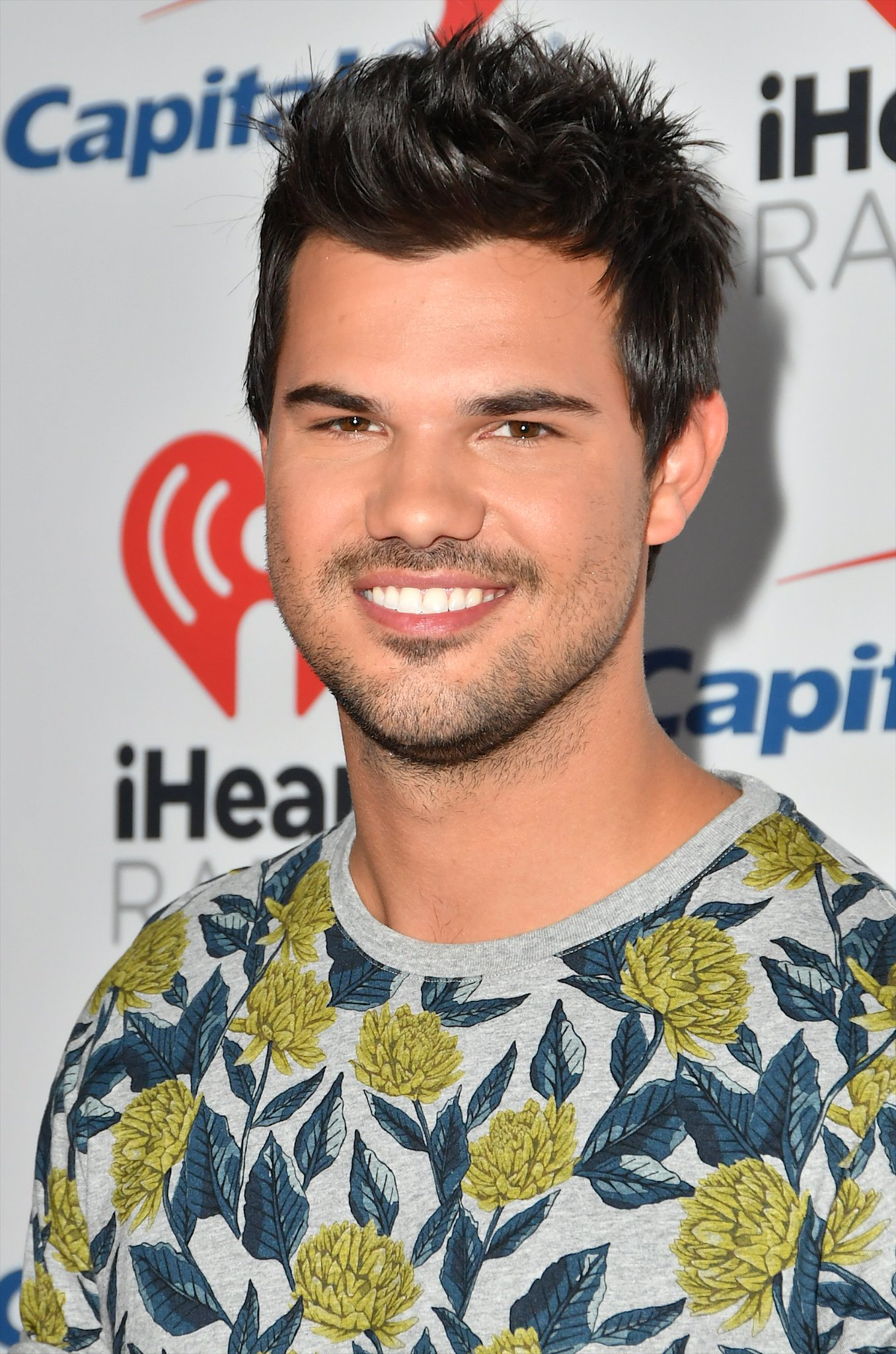 Taylor Lautner Mania on Twitter: 🔥 ATUALIZAÇÃO NA GALERIA
