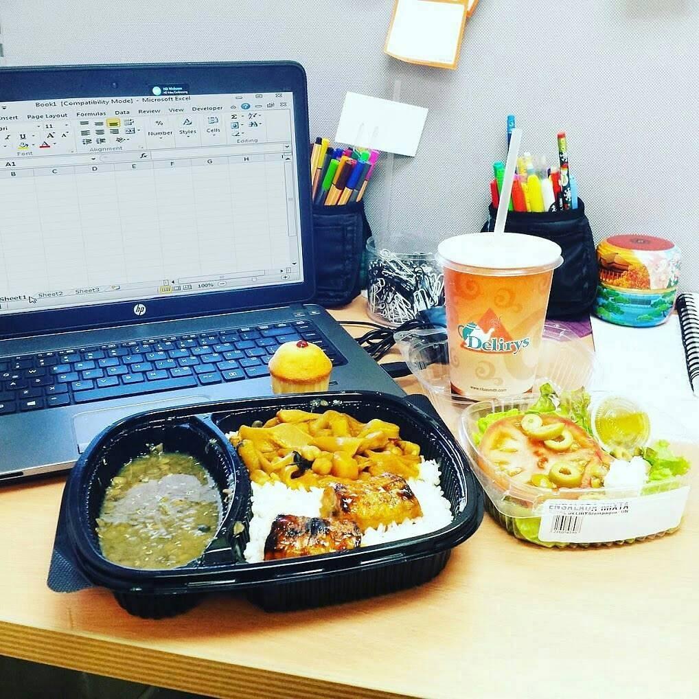 ¿Te queda poco tiempo para almorzar? No te preocupes y pasa por nuestra estación #ListaParaLlevar en nuestras cafeterías🙌 #RibaSmith