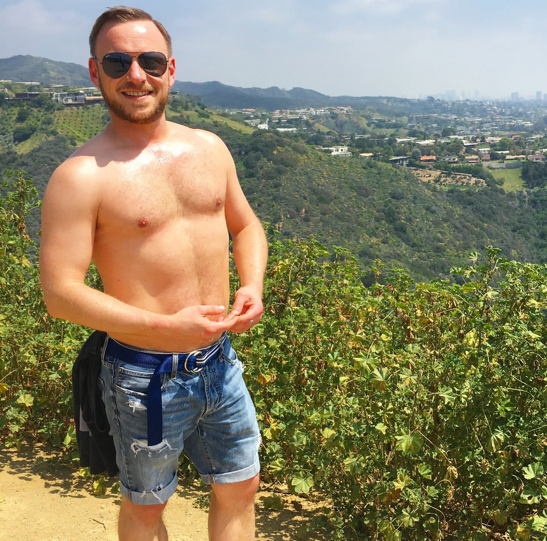 My UK hiking buddy from  http:// GlobalFight.com  &nbsp;   #hiker #man #hiking #london #england #uk #unitedkingdom #hairychest #bearcub #mens #club #me<br>http://pic.twitter.com/6jZFg9Do4F