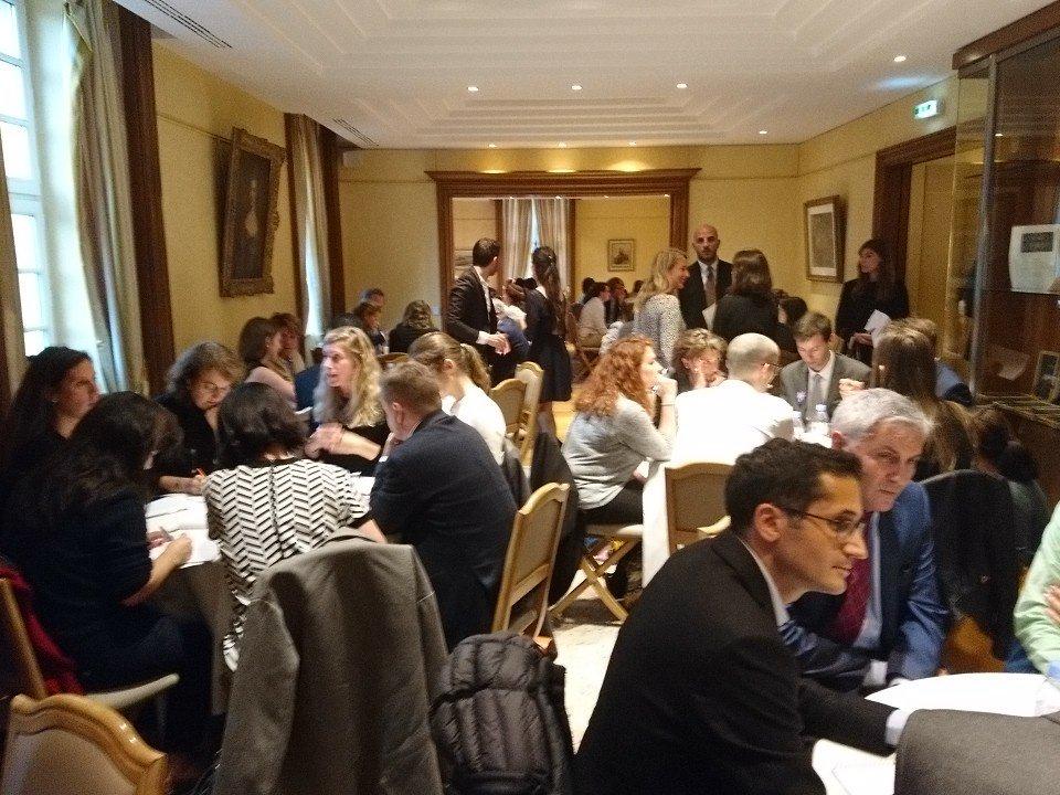 @Avocats_Paris @parisbarincub - #NuitLegalTech #TransfoNum Ateliers de speed-coaching et mentoring entre #avocats et #LegalTech <br>http://pic.twitter.com/NVmF5F3110