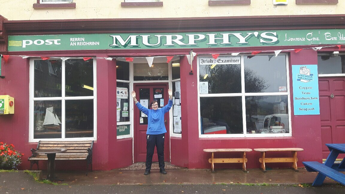 News from #BereIsland, where Mary Murphy sold a €500K #EuroMillions ticket: winners have contacted @NationalLottery. I hear they&#39;re locals!<br>http://pic.twitter.com/XVlL68pdk1