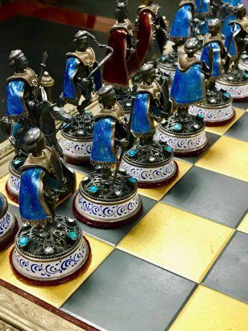 #History.  U.S. returns Saddam Hussein's precious antique chess board  http:// bit.ly/2xmSA2I  &nbsp;  <br>http://pic.twitter.com/R7IikGuEsu