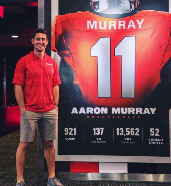 Great to see #UGA great Aaron Murray, the SEC&#39;s career passing leader, in Athens Saturday. But need to work on those gameday predictions. <br>http://pic.twitter.com/nGMHWdWbfm