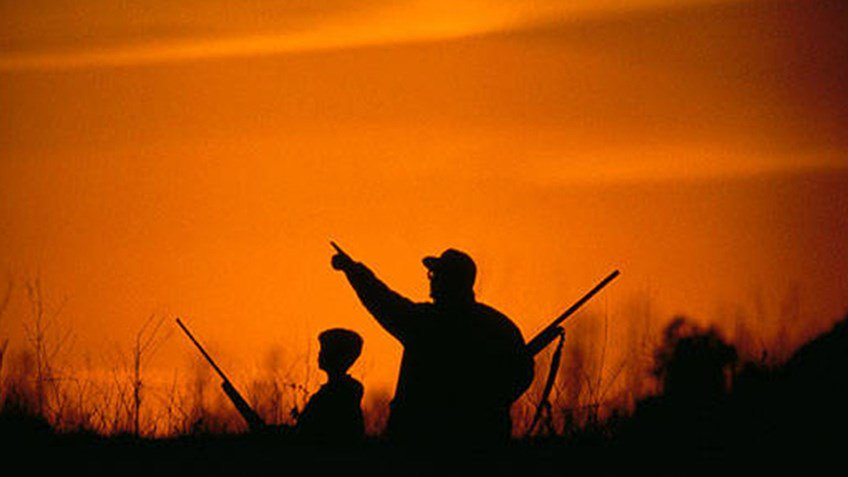 5 Things To Watch Out For In the Dark Woods:  http:// ow.ly/ryWp30fpELK  &nbsp;   #hunting #hiking <br>http://pic.twitter.com/ReIHQz3hBJ
