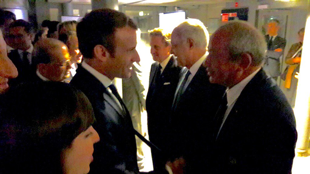 Very honored to have met a charming bright and gracious President #Macron ! Respect ! <br>http://pic.twitter.com/uXiX4byF8a
