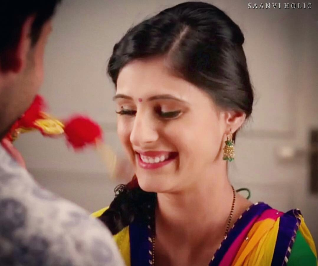 Could watch this smile all day.  #heart @SaanviT  <br>http://pic.twitter.com/QqOwvvw7dC