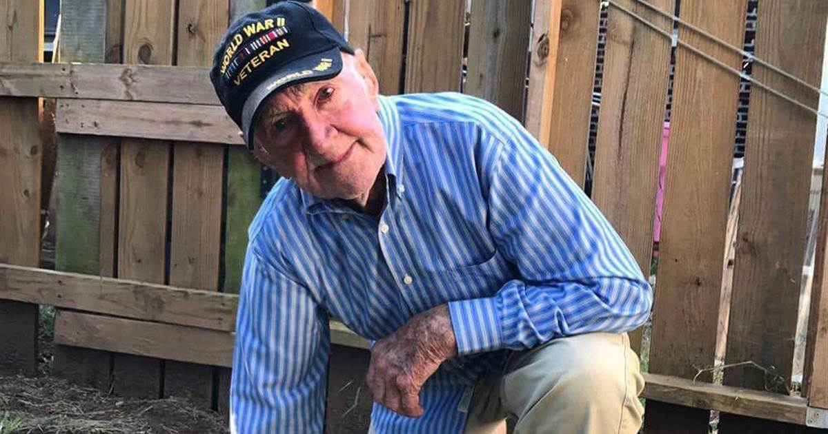 97-year-old WWII vet takes a knee to support NFL protests https://t.co/rxwXZfrlbA https://t.co/91dDY4P7gT