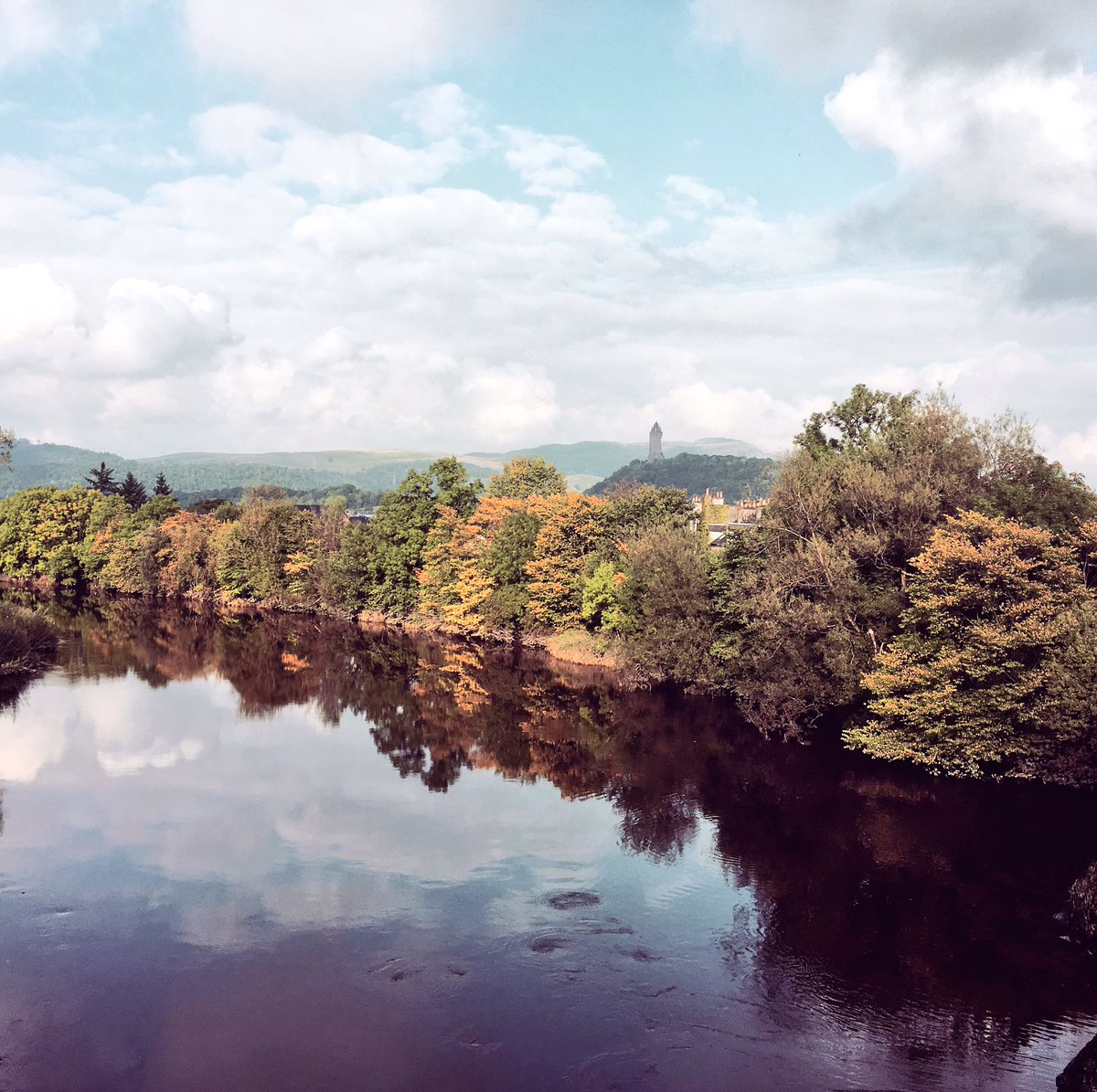 Early signs of #autumn on the #trees lining the #River #Forth from #historic #Stirling #Bridge and lovely #wallacemonument @VisitScotland<br>http://pic.twitter.com/ogPkbZGB8g