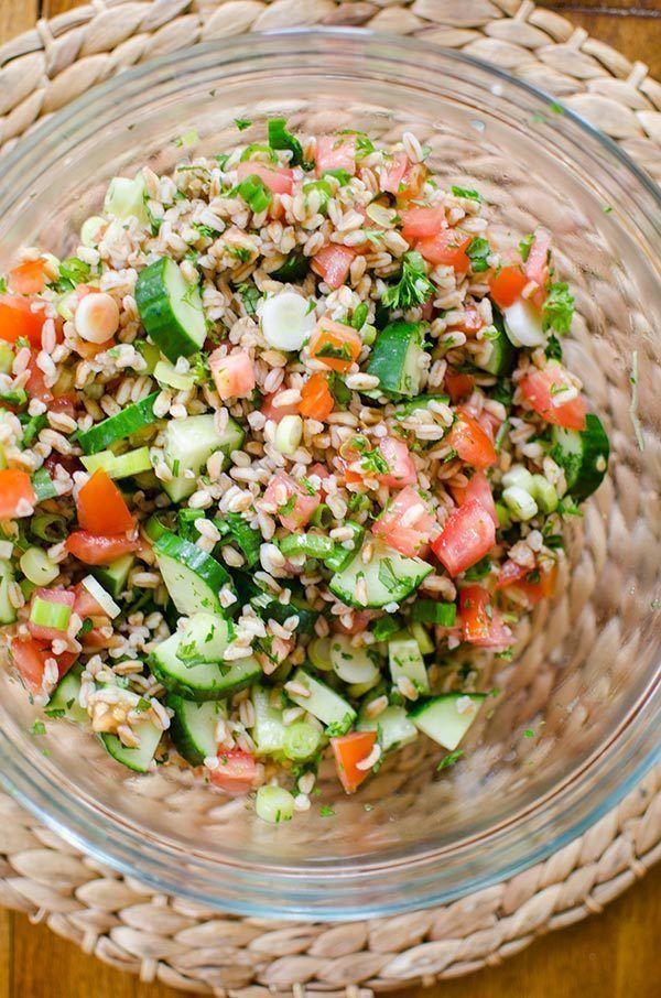 Love this #recipe for farro tabbouleh #salad!  Full of farro, fresh tomato, cucumber, onion, parsley + mint  https:// buff.ly/2wGgH7U  &nbsp;   #food<br>http://pic.twitter.com/GXmq1qQ72V