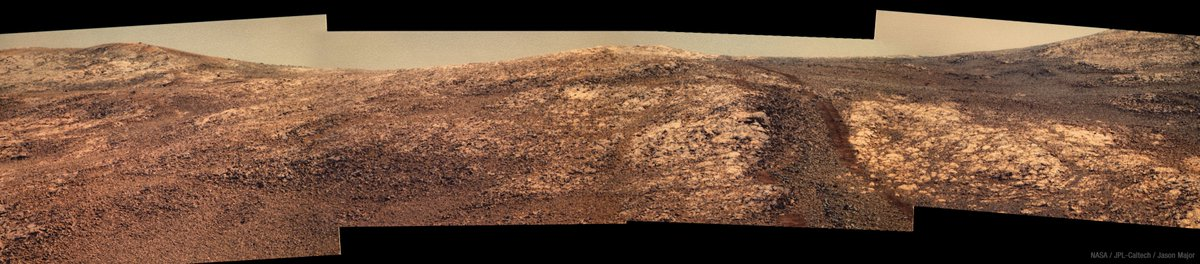 A panorama view from NASA&#39;s #Opportunity rover on Sept. 24, 2017, now in its 4,860th sol on #Mars<br>http://pic.twitter.com/t7aTryKMiN