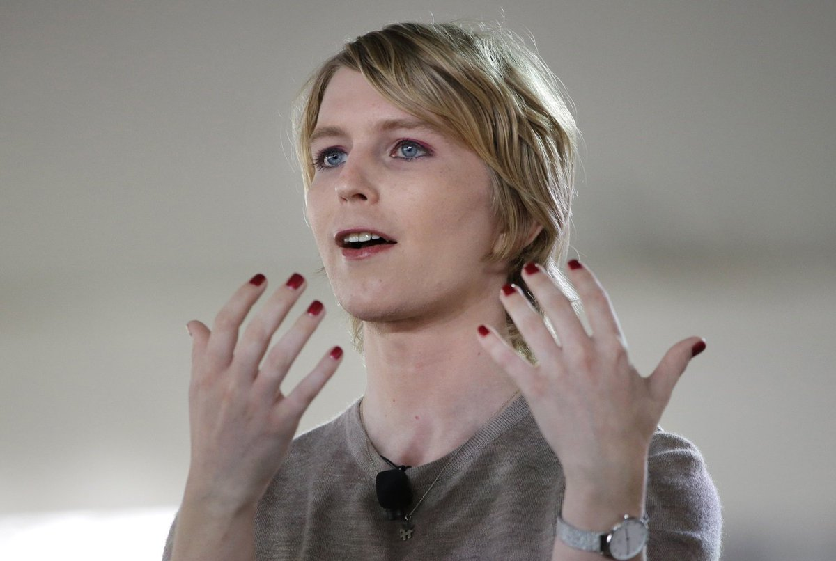 Canada recognizes Chelsea Manning as a traitor, won't let her into the...
