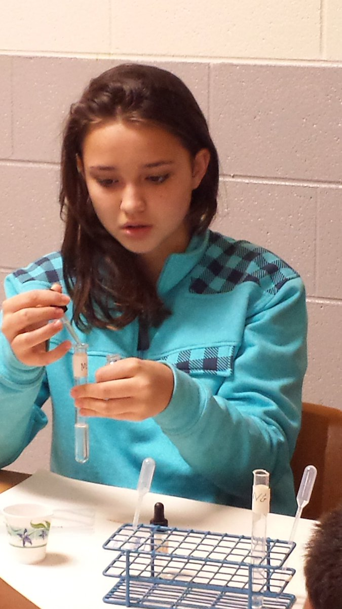 Extracting our human DNA from epithelial cells in the mouth. #tcsyes #Biotechnology <br>http://pic.twitter.com/LAQC4TCt7B