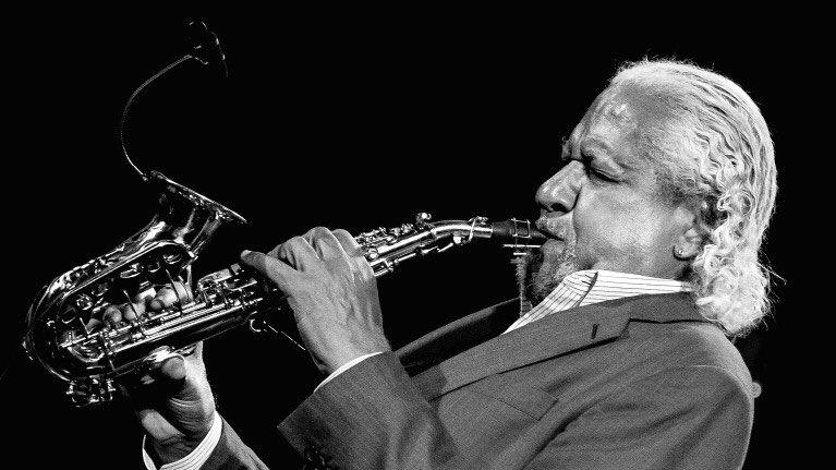 #HappyBirthday to Gary Bartz (born September 26, 1940, age 77) #NowPlaying Blues On the Corner (2007)  https:// youtu.be/EnQRWSweaIk  &nbsp;   @YouTube #Jazz<br>http://pic.twitter.com/LGf7SdMg6N