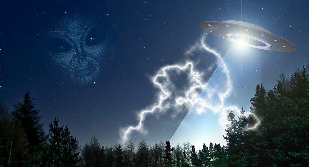 #California residents spot mysterious foreign body gliding across night sky  http:// sptnkne.ws/f64e  &nbsp;   #UFO<br>http://pic.twitter.com/liCEraXq0R