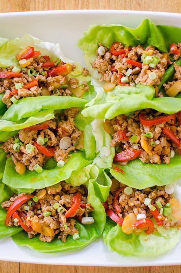 Make AMAZINGLY tasty #glutenfree wraps!  Chicken lettuce wraps  https:// buff.ly/2fjrxye  &nbsp;   w/ ginger, peppers + onions make a fun #recipe <br>http://pic.twitter.com/lvS6w5AVbq