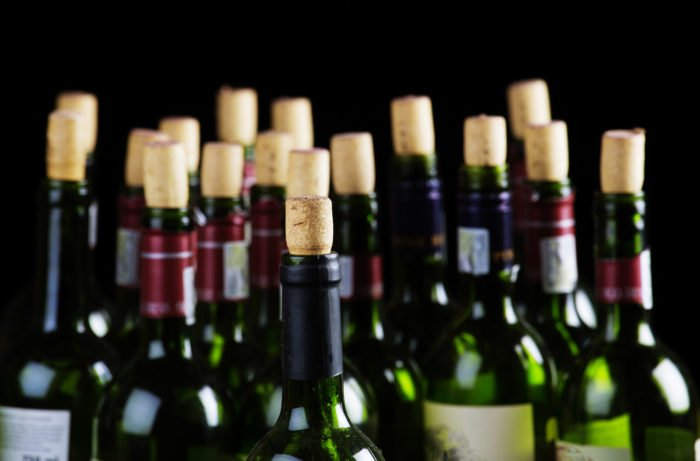 How Can You Tell if a Young #wine Will Age?  https:// goo.gl/HPAJVB  &nbsp;   #winelover #winelovers @RealWineGuru @winetrackerco @PennySadler <br>http://pic.twitter.com/o1Gn2twZ4v