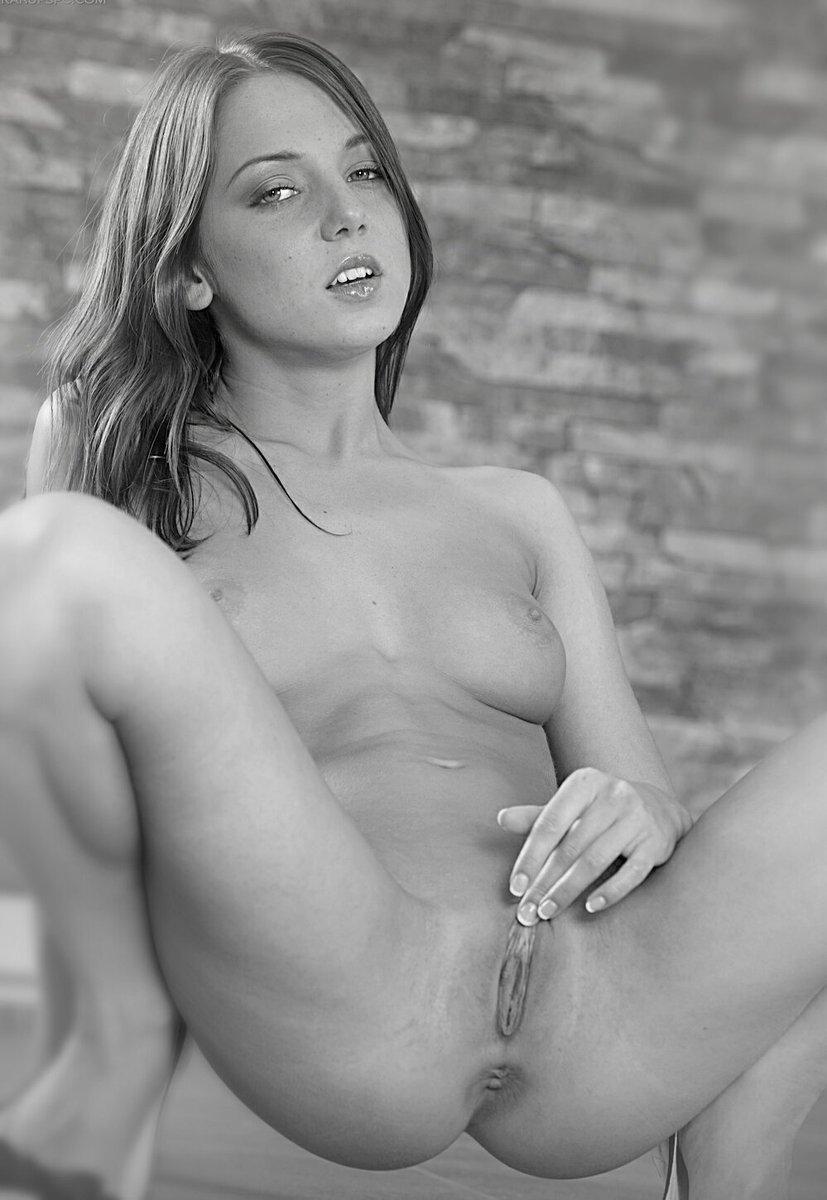 Foxidifan On Twitter Foxidi Gorgeous Sexy Cute Amazing Beautiful Hot Eroticart Erotic Model Blackandwhite Rt Masturbation Pussy Ass Naked