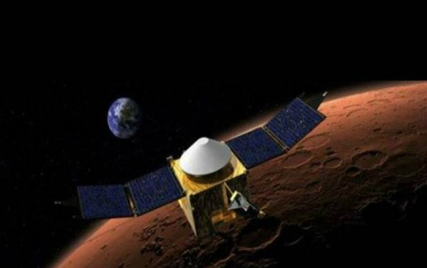 #Mangalyaan completes 3 years in #Mars #orbit  http:// bit.ly/2fnxQxa  &nbsp;   #ISRO #MOM #Spacecraft<br>http://pic.twitter.com/CG4I8iI4GV