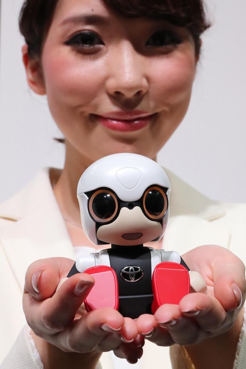 Rise of the #Robots:   From #bigdata to #ArtificialIntelligence    http:// bit.ly/2htYYi8  &nbsp;   #fintech @CampdenFB<br>http://pic.twitter.com/OjxKKdeDvv