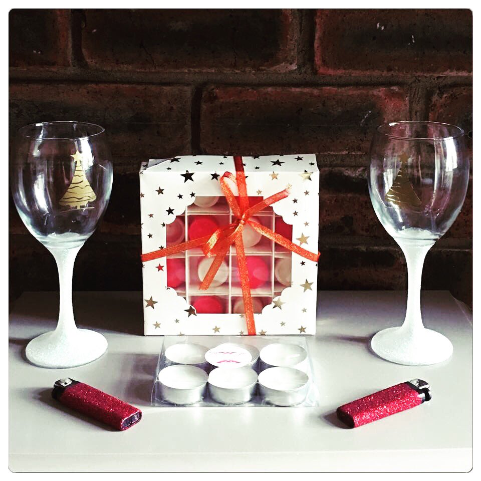 Limited availability gift sets  https://www. facebook.com/ashleysmagicme lts/posts/279220995902553 &nbsp; …  #giftset #ChristmasIsComing #waxmelts #gliterglass #sparkle #scented #giftideas<br>http://pic.twitter.com/jmLADRP3SV