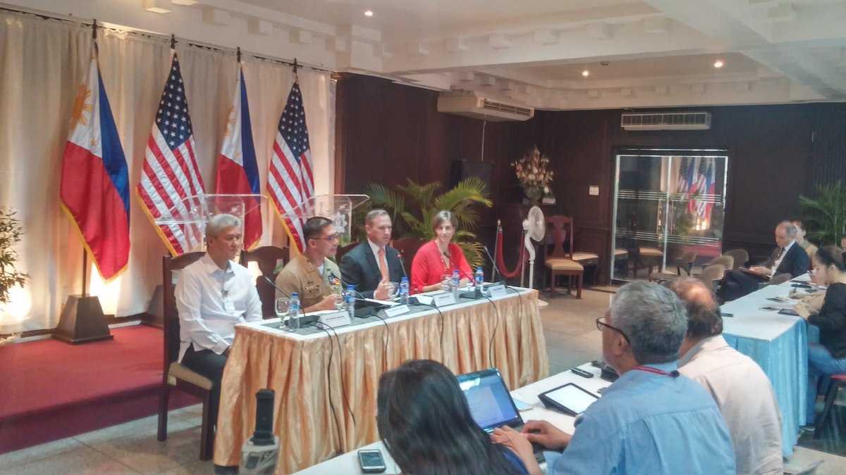 [HAPPENING NOW] PH and US hold briefing on recently concluded counter-...