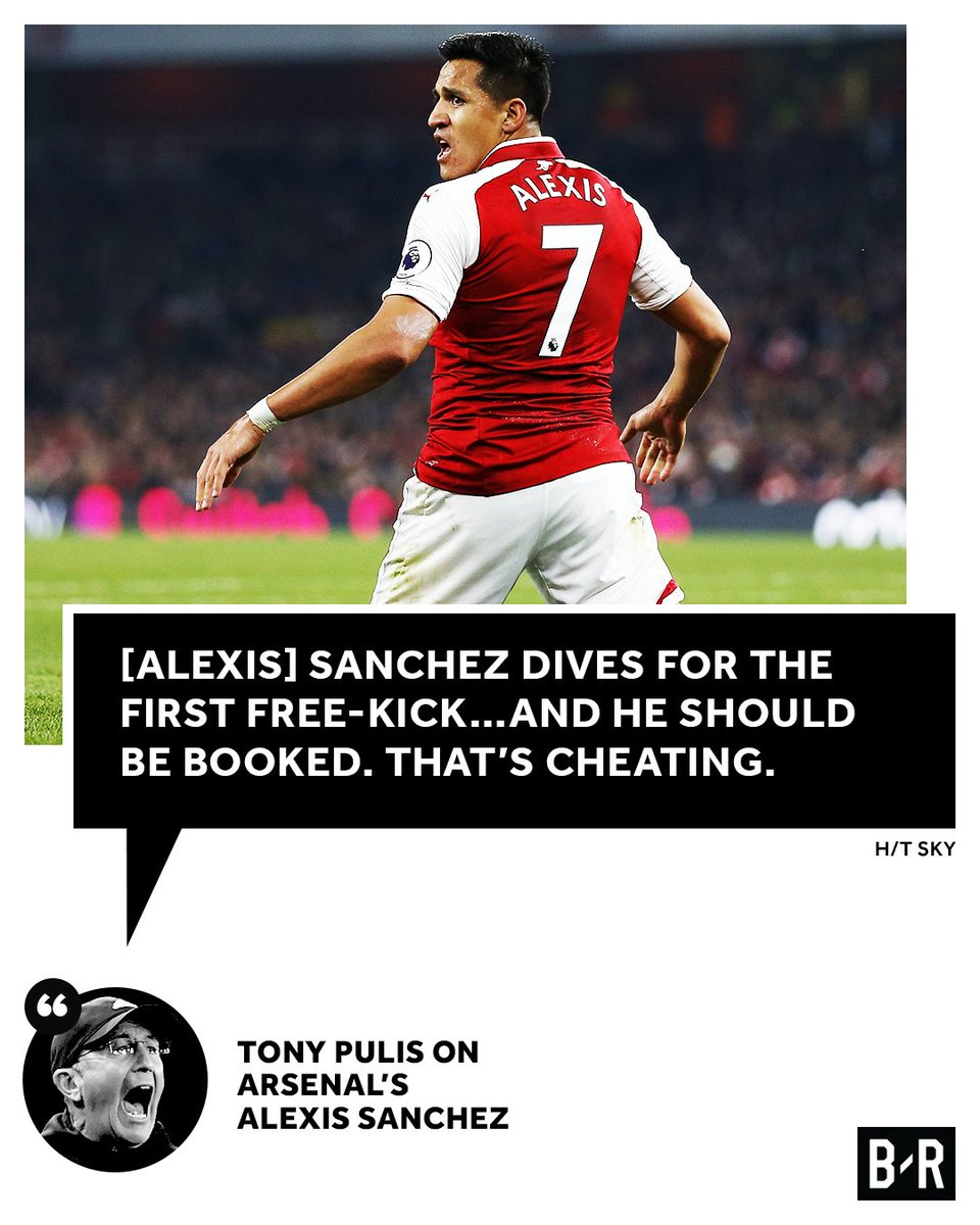 Tony Pulis isn't happy with Alexis Sanch...