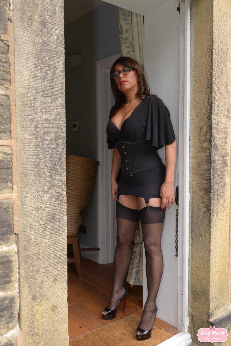 Latin women in sexy feet