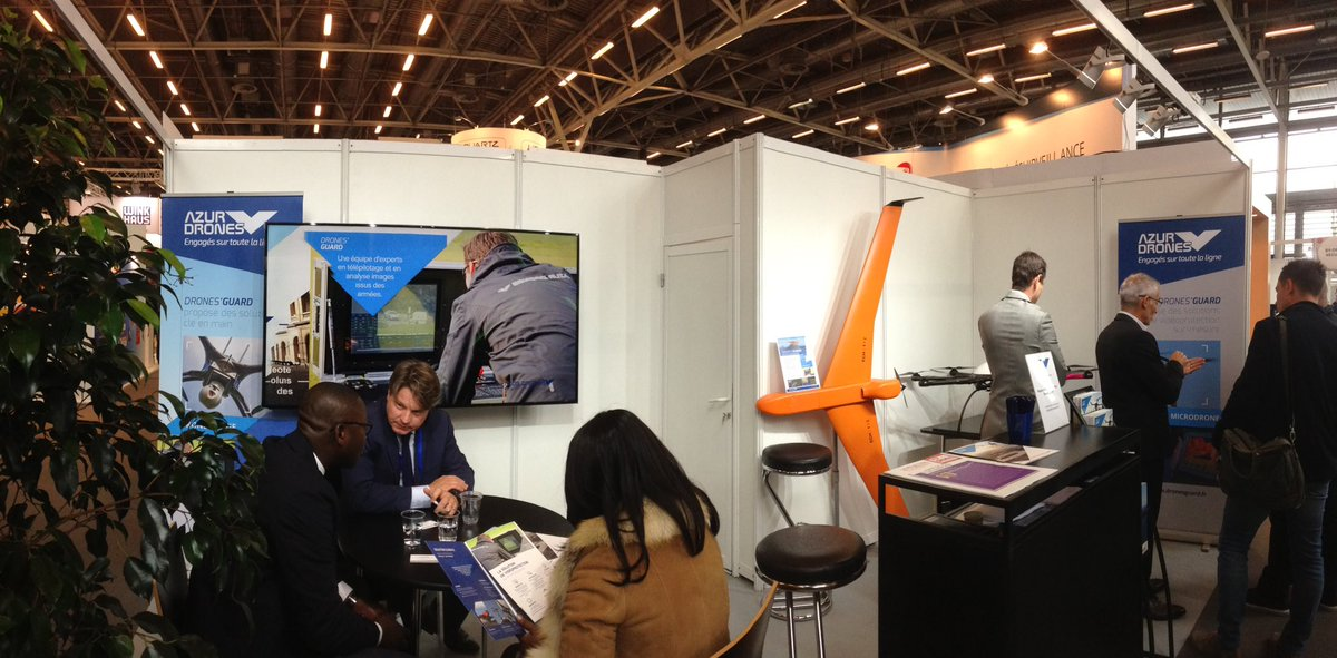 Nos experts @AzurDrones vous attendent hall 5.2, stand A22! #videoprotection #drones @salonAPS<br>http://pic.twitter.com/HJH3C4mnMp
