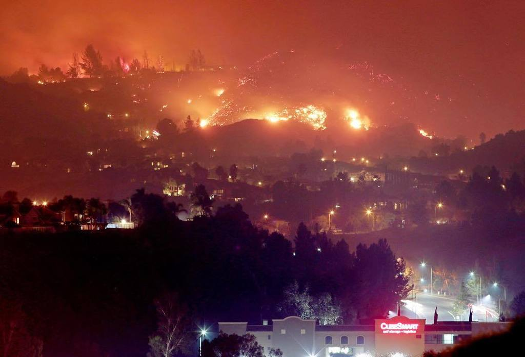 The Canyon Fire shot #onassignment for @reuters #wildfires #canyonfire #corona #california <br>http://pic.twitter.com/YNjWaYmA3P