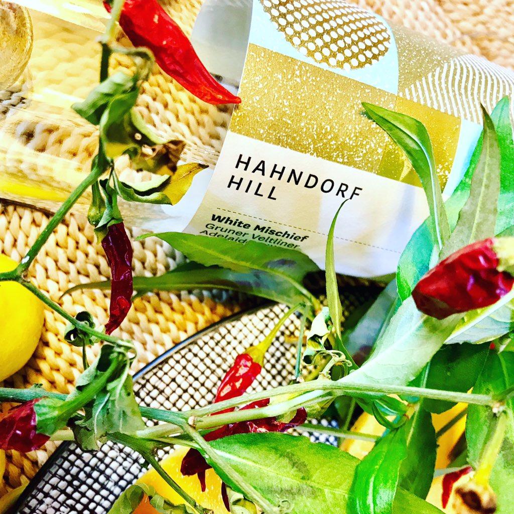 Found  summer. #AdelaideHills explosion of citrus mango stone fruit paw paw #GrunerVeltliner #wine @winewankers @DemiCassiani @HahndorfHill<br>http://pic.twitter.com/4YuQvBFlzL