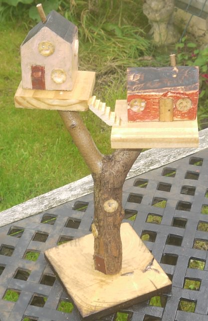 Fairytreehouse made using lilac branch and pallet wood #recycled #upcycled #fairy #faerie #treehouse<br>http://pic.twitter.com/Ey2RcH1S17