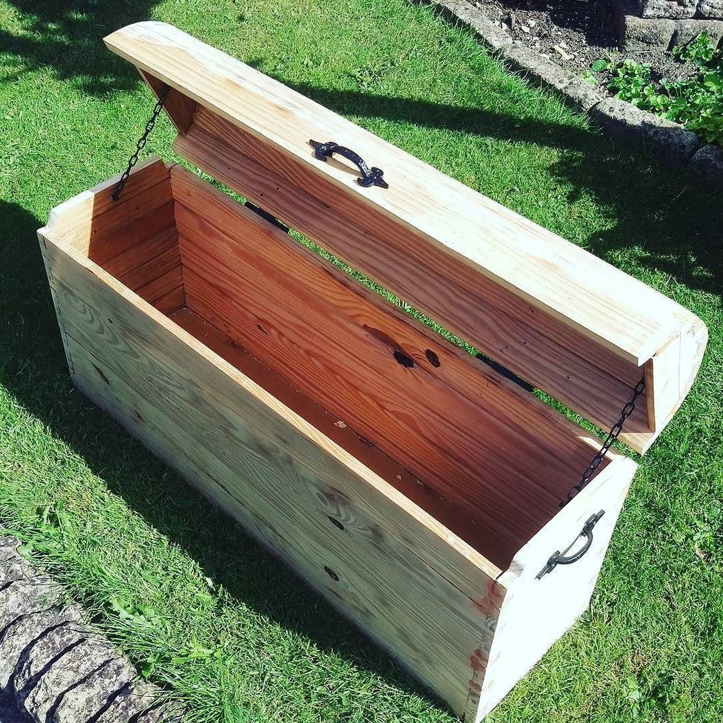 Just need to add a finish and the treasure chest is done. #DIY #handmade #reclaimedwood #reclaimed #woodwork #woodworking #workshop<br>http://pic.twitter.com/lusRI20YbS