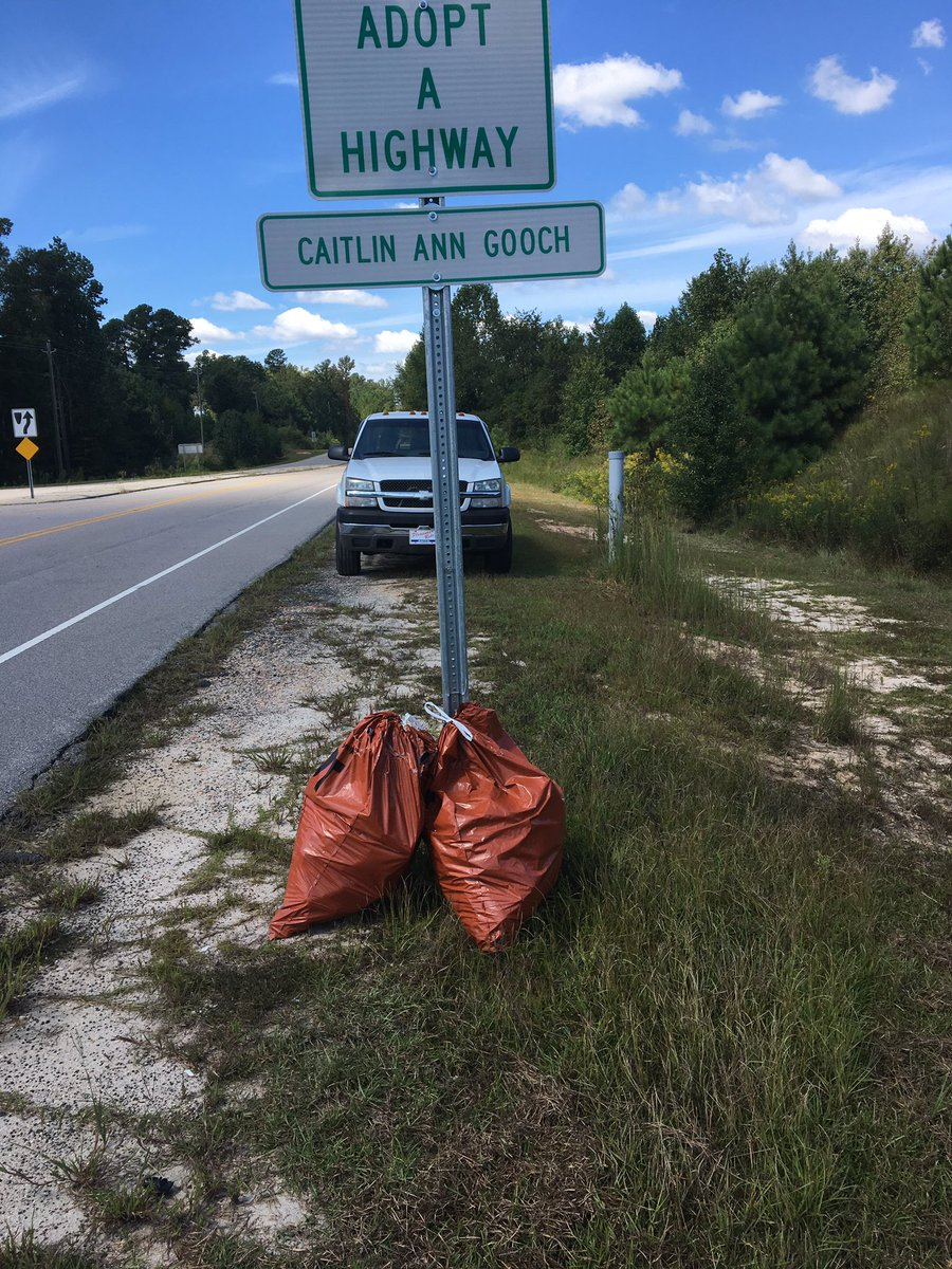 I adopted a highway this year. Please don&#39;t litter. #dontlitter #recycle  <br>http://pic.twitter.com/70hjfBHf93