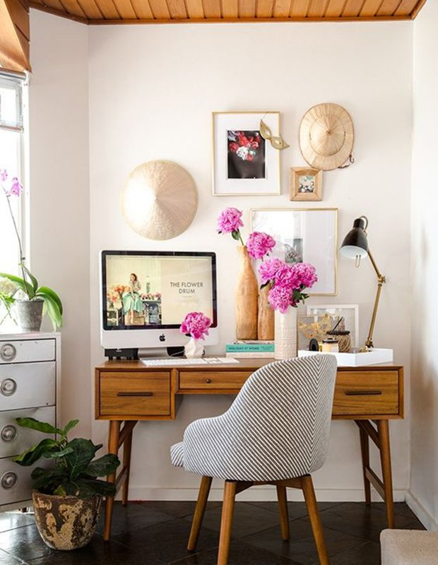 Get creative with your work space! #OfficeRenovations #HomeOffice  http:// ow.ly/ixxF30fps2P  &nbsp;  <br>http://pic.twitter.com/CmIzXUHZYl