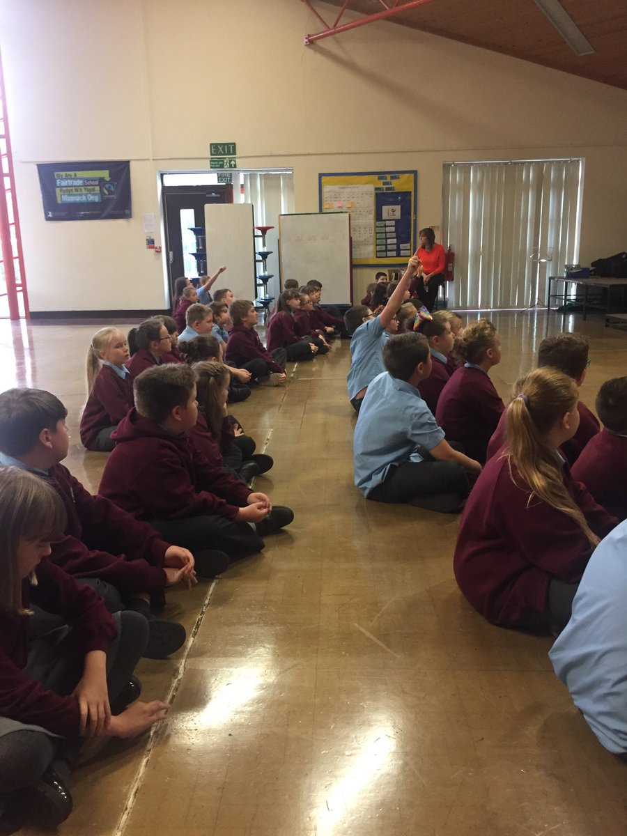 Year 5&amp;6 enjoyed learning about the importance of recycling with the help of @BlaenauGwentCBC #recycle #keepitclean <br>http://pic.twitter.com/LxjkPGshWx