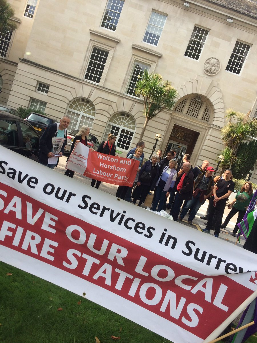 Supporting Libby of #Surrey County Council to oppose 50% cuts to Spelthorne Fire Station with @SurreyUNISON @StainesFire @staines #FBU<br>http://pic.twitter.com/ldvtNg1NbP