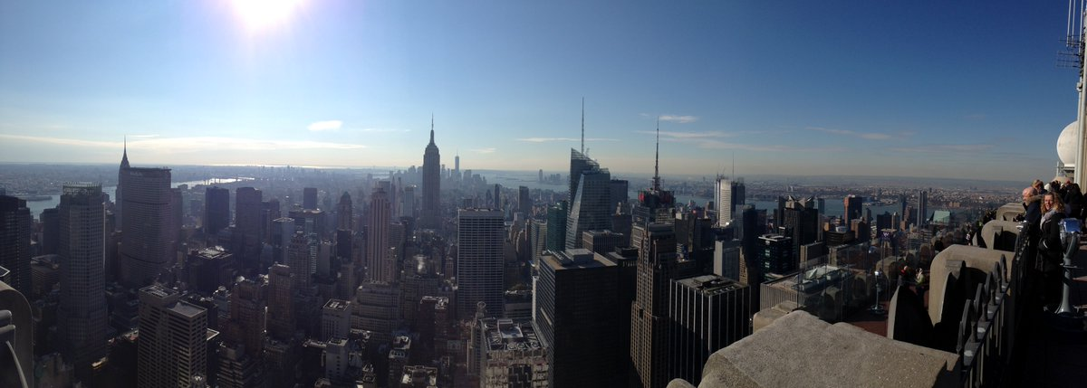 Love the view from Top of the Rock over #NYC #TravelTuesday<br>http://pic.twitter.com/t1FRsWuXXk